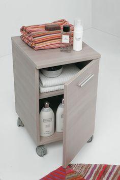 carrello in legno chiaro per impreziosire il tuo bagno complementi linea