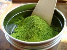 BENEFITS OF MATCHA POWDERED GREEN TEA  The health benefits of matcha tea far exceed regular green tea benefits. When you drink matcha you ingest the whole leaf, not just the brewed water. What is inside the leaves is very impressive and beneficial to our health.