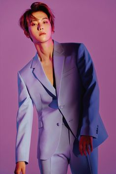 EXO released gorgeous photos of Baekhyun and Chanyeol for 'Love Shot.''Love Shot' is the SM Entetainment boy group's repackage album. Kpop Exo, Exo K, Lay Exo, Seokjin, Kim Minseok, Baekhyun Hot, Baekhyun Chanyeol, Exo Chanbaek, Exo Smtown