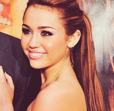 I hate to admit it, but she actually looks really pretty...