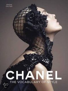 """candentia: """" Anja Rubik in 'Dark Feast' Photographer: Lachlan Bailey Dress and headpiece: Chanel Haute Couture F/W Vogue China October 2007 """" Coco Chanel, Chanel Black, Chanel Beauty, Baby Chanel, Chanel Paris, Mode Poster, Vogue China, Anja Rubik, Richard Avedon"""