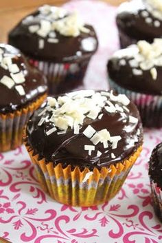 Eat Good 4 Life: Double Chocolate cupcakes with chocolate ganache
