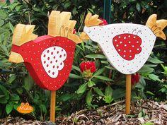 Gartendekoration - ♥ ♥ Hühnchen Fiete und Flora ♥ ♥ - ein Designerstück von Mi-ke bei DaWanda
