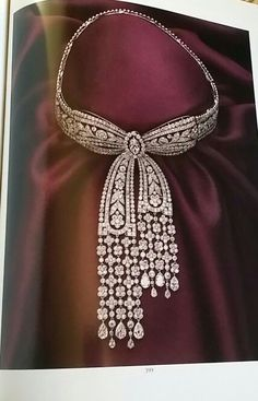 Belle Epoque diamond necklace. Cartier. Paris. Sold in Magnificent Jewelry sale Sotheby's New York October 1990