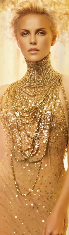 The definition of glamour and class - Charlize Theron for DIOR J'ADORE Charlize Theron, Beautiful People, Most Beautiful, Beautiful Women, Hollywood, Celebs, Celebrities, Gold Fashion, Dress Fashion