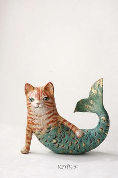 Red tabby mercat figurine - Purrmaid cat sculpture - Paper mache Cat Ornament - Housewarming cat gift by KoteiaToys on Etsy Paper Mache Clay, Paper Mache Sculpture, Paper Mache Crafts, Sculpture Art, Plate Crafts, Clay Sculptures, Mermaid Sculpture, Mermaid Cat, Paper Mache Animals