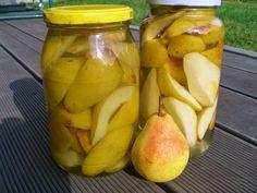 V kuchyni vždy otevřeno ...: Nejjednodušší zavařené hrušky Kimchi, Pickles, Cucumber, Pear, Fruit, Lemon, Pickle, Zucchini, Bulb