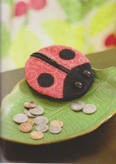 Ebook PDF Pattern Tutorial how to  lady bug zip coin purse wallet bag sewing hand made