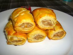 Ahhhh sausage rolls. I need these in my life ASAP. I'm homesick!