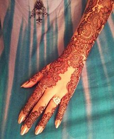 What the In-Crowd Won't Tell You About Arabic Indian Henna Mehndi Design Henna Hand Designs, Mehndi Designs 2018, Bridal Henna Designs, Beautiful Henna Designs, Mehndi Designs For Hands, Henna Tattoo Designs, Wedding Designs, Mehandi Designs Arabic, Indian Henna Designs