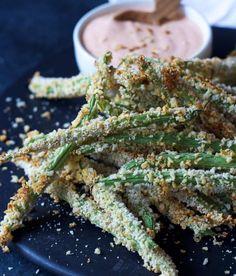 Crispy Baked Green Bean Fries | 15 Scrumptious Baked Vegetables Recipes | https://homemaderecipes.com/baked-vegetables-recipes/