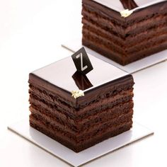 Sacher is back! With layers of flourless chocolate cake, apricot gel & pure chocolate cream then topped with gold leaf, she will have you… I Love Chocolate, Chocolate Heaven, Chocolate Cream, Chocolate Lovers, Gourmet Desserts, Fancy Desserts, Plated Desserts, Flourless Chocolate Cakes, Chocolate Desserts