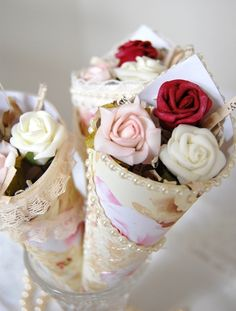 More beautiful vintage confetti cones. I had them at my wedding, and they were absolutely stunning. Can work out quite expensive, however, so use faux petals rather than foam roses :-) Wedding Favours, Wedding Gifts, Confetti Cones, Paper Cones, Rose Gift, Deco Floral, Floral Design, Colorful Roses, Shabby Flowers