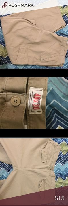 Old Navy Khaki Cargo Pants 40X30 Old Navy Cargo Pants see last picture for flaw Old Navy Pants Cargo