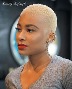 20 Short Hairstyle Ideas for Black Women 2017 - Wedding Digest Naija Blonde Natural Hair, Natural Hair Cuts, Natural Hair Styles, Blonde Twa, Short Blonde, Bald Hair, My Hairstyle, Hairstyle Ideas, Blonde Hairstyles