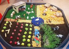 Farm Activities for Preschool Bring the farm to your settings with these wonderful sensory activities and role play areas. Farm Animals Preschool, Farm Animal Crafts, Farm Crafts, Preschool Crafts, Preschool Farm Theme, Farm Activities, Animal Activities For Kids, Infant Activities, Farm Projects