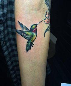 Animal Tattoo Designs – Ruby-Throated Hummingbird Tattoo by Lazer Liz 3d Tattoos, Time Tattoos, Body Art Tattoos, Sleeve Tattoos, Tattoos For Guys, Cool Tattoos, Bird Outline Tattoo, Bird And Flower Tattoo, Tattoo Bird