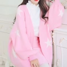 Design gurus provide out five original new techniques to choose a hoodie without ever having resembling an angst-ridden. Harajuku Fashion, Kawaii Fashion, Lolita Fashion, Cute Fashion, Fashion Outfits, Casual Skirt Outfits, Pink Outfits, Cool Outfits, Aesthetic Fashion