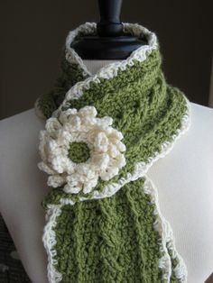 Country Cable Scarf. This is really cute but I think I'll try something like this with my weaving sticks.