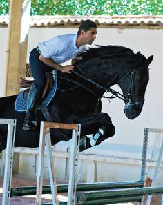 """ISTOÉ Gente ::""""Em casa só falamos português""""Às vésperas do Athina Onassis International Horse Show, Doda Miranda fala do prêmio que acontec..."""