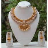 Traditional Design White Pearl And Kundan Necklace Set