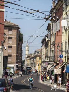"""""""Parma, colores pasteles y bicicletas"""" by @magiaenelcamino"""
