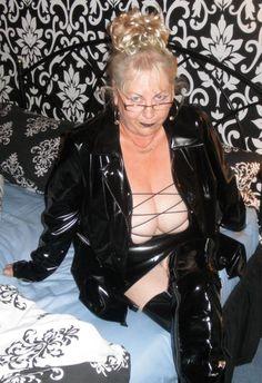 "darkess53: ""I want a grandma like that. """