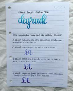 Oii gente!! Hj o post é sobre degradê com as canetinhas da @faber_castell_br 💕 qualquer coisa é só me chamar no dd! #lettering #resumo…