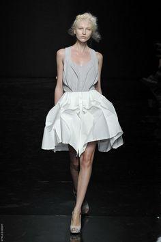 Yiqing Yin Haute Couture F/W12
