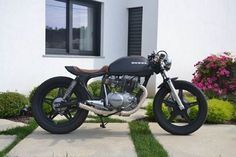 CB 400 by Emanuel  Garagem Cafe Racer #honda #cb #custom #bike #caferacer #bratstyle #scrambler #motorcycle #ride #ride_like_hell #saintmotors #saint_motors #kustom #kulture