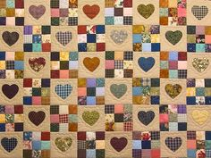 <3 this Amish heart quilt