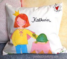 Eine Prinzessin mit ihrer Schildkröte, Kissenbezug aus Bio-Baumwolle