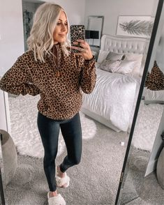 This fierce animal print pullover is such an essential for fall or winter!andrea Source by shopthepinklily clothes ideas Winter Maternity Outfits, Winter Sweater Outfits, Pregnancy Outfits, Cute Fall Outfits, Warm Outfits, Fall Winter Outfits, Legging Outfits, Athleisure Outfits, Loungewear Outfits