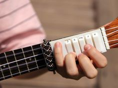Like Guitar Hero for your Ukulele!   Yanko Design