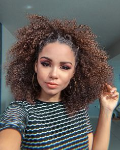 Adorable Curly hairstyles Ideas that anyone with cury hair can do, from short to long hairstyle for curly hair of all texture 4a Natural Hair, Natural Afro Hairstyles, Curled Hairstyles, Natural Hair Styles, Long Hair Styles, Short Curly Hair, Crochet Hair Styles, Textured Hair, Gorgeous Hair
