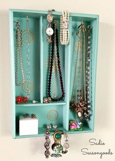 Here at One Crazy House we love finding new uses for old things, and our latest list is all about ways to use silverware trays to get organized! Tidy up you jewelry, finally make sense of your junk drawer or corral your crafts supplies all with a handy little tray. Here are 14 silverware trayread more...