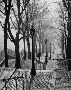 Brassaï: Stairs in Montmartre (Escalier de la butte Montmartre), Paris c. Montmartre Paris, Vintage Pictures, Pretty Pictures, Oh The Places You'll Go, Places To Travel, Brassai, Photo Vintage, Foto Art, Man Ray