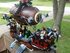 Here's one last shot of the Lego version of Aethership Vagabond