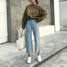 26 Classy Fall Outfits To Copy For Fall outfits Newest fall outfits casual outfits; Mode Outfits, Korean Outfits, Night Outfits, Fashion Outfits, Classy Outfits, Fashion Ideas, Fashion Tips, Lifestyle Fashion, Retro Outfits