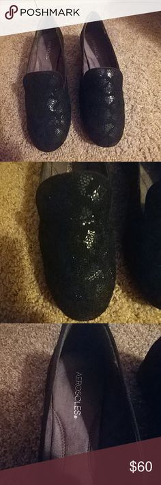 Aerosoles sparkly sure grip slip proof shoes These shoes are great for any field that require slip proof shoes such as, restaurant or hospital fields! These come in a stylish black sparkly/shiny pattern that will go great with any uniform or outfit! Perfect for a hostess or manager! These have a great grip and are super comfy! These shoes have never been worn and are in perfect condition! Original box included! Aerosoles Shoes Flats & Loafers