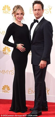 The Good Wife star Josh Charles arrived with his pregnant wife Sophie Flack at the 2014 Emmys http://dailym.ai/1lufdYb