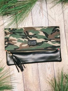 Just in time for the holidays. Shop our new fave accessories @ Miss Modern Boutique online & in store Online Boutiques, Winter Collection, Travel Bags, Camo, Outdoor Blanket, Heaven, Holidays, Purses, Store