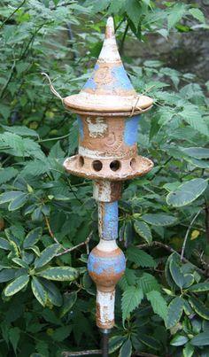 Vogelfutterhaus klein mit Keramikstele, blau