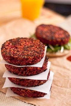 Quarter Pounder Beet Burger Recipe-twist on a traditional veggie burger Burger Recipes, Vegetarian Recipes, Healthy Recipes, Vegan Beet Recipes, Vegan Beet Burger, Beetroot Burgers, Easy Recipes, Meatless Burgers, Veggie Burgers