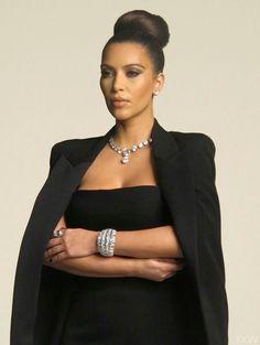 Photos credits to Kim kardashian west Kim Kardashian Kylie Jenner, Kardashian Photos, Kim K Style, Diamond Earrings, Photoshoot, Jewelry, Head Shots, Rally, Biker