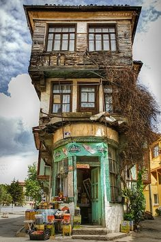 Tirilye - Mudanya / Bursa, Turkey What an unusual, top-heavy looking building! Places Around The World, Oh The Places You'll Go, Places To Travel, Places To Visit, Around The Worlds, Beautiful World, Beautiful Places, Belle Villa, Turkey Travel