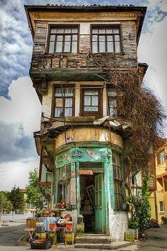 Top 30 des maisons les plus insolites à travers la planète... Il en faut pour tous les goûts !