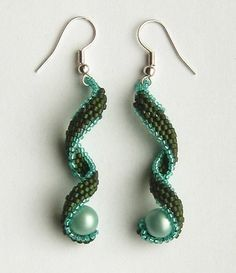 Curly brick stitch. Earrings and necklace pattern. (free) ~ Seed Bead Tutorials