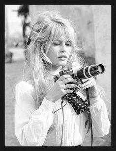 Brigitte Bardot with Camera, Black and White Photograph Poster Poster. Brigitte Bardot with Camera, Black and White Photograph. Vintage Hairstyles, Hairstyles With Bangs, Trendy Hairstyles, Wedding Hairstyles, Beautiful Hairstyles, Style Hairstyle, Wispy Bangs, Long Hair With Bangs, Short Bangs