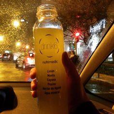 Definitivamente são dois: Em casa, no escritório, no trânsito de Lisboa num dia de chuva. Importante é não parar! E eu hoje ainda não parei! Último sumo: fresco e mais amargo do que os anteriores, mas igualmente bom! #detox #drink6zumo #drink6 #preview